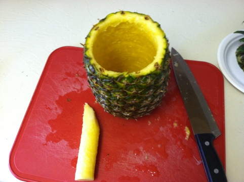 Awesome Kitchen Gadget : Pineapple Slicer and Party Time! Step 6