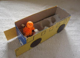 Toddler Activites, Crafts, Games www.toddlertoddler.com : Easy Crafty Boxy School Bus